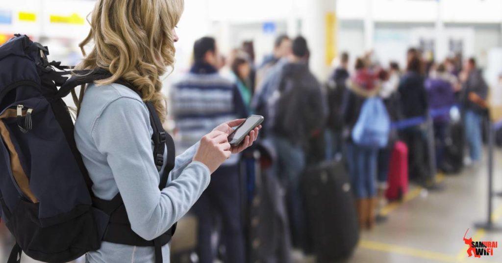 wifi du lịch samurai khuyên giữ chặt đồ nơi đông người