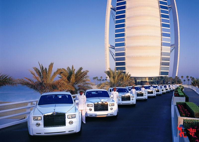 Ngắm siêu xe du lịch Dubai