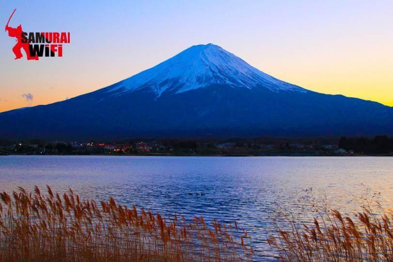Núi Phú Sĩ chiều đông