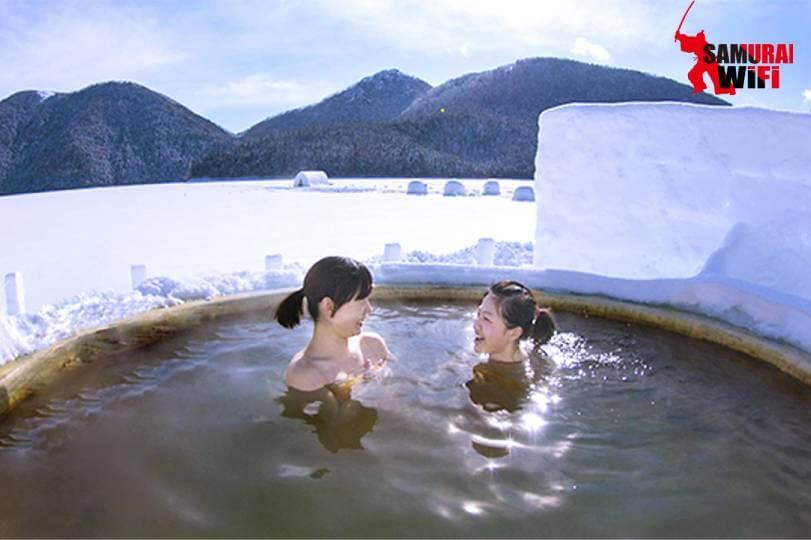 Tắm Onsen giữa trờ đông Nhật Bản