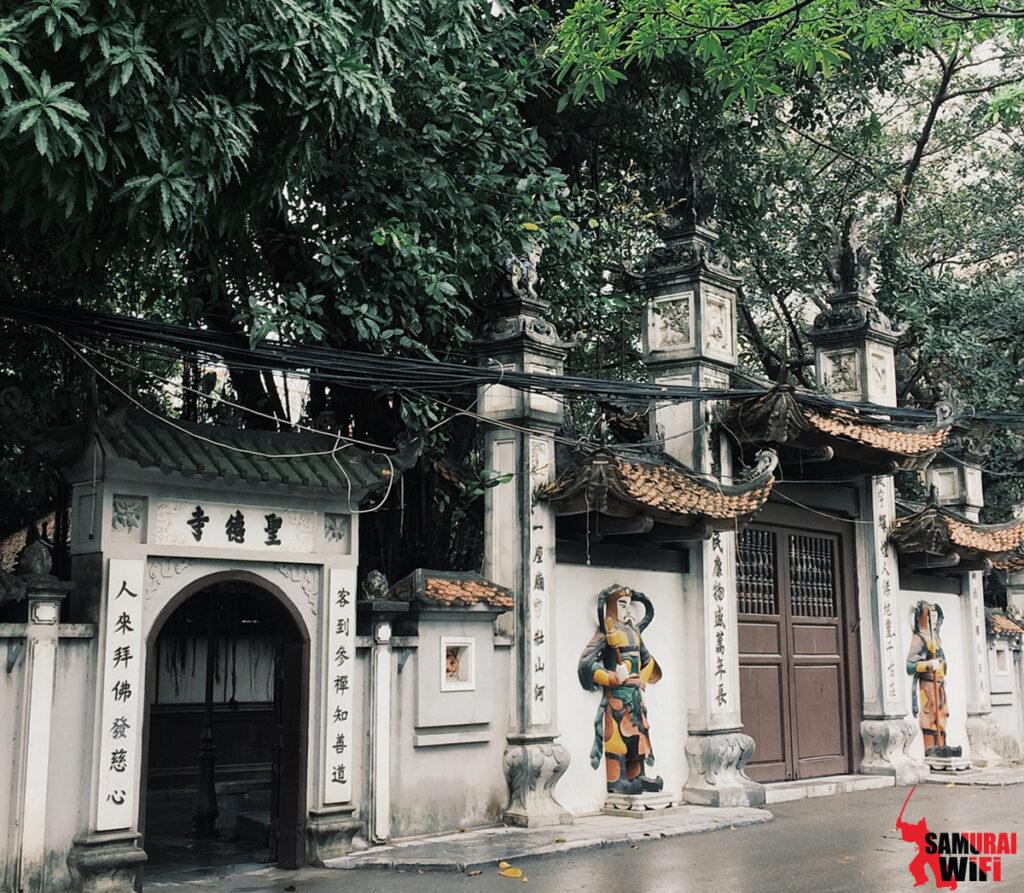 Thuê wifi du lịch samurai đi chùa Hà